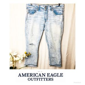 American Eagle | Artist Crop Distressed Jeans 14